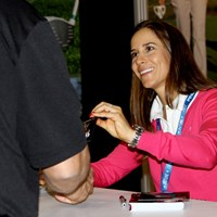 PINGブースに登場した契約プロのアサハラ・ムニョス。笑顔でサイン会 2015年 PGAマーチャンダイズショー  アサハラ・ムニョス