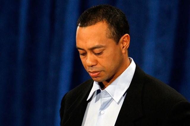 セクハラ発言、不倫疑惑など一連の騒動を受け、謝罪会見に臨んだT.ウッズ※2010年2月19日/POOL