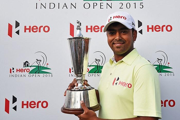 地元インド勢同士のプレーオフを制したラヒリが今季欧州ツアー2勝目を挙げた(Getty Images) 2015年 ヒーローインディアンオープン 最終日 アニルバン・ラヒリ