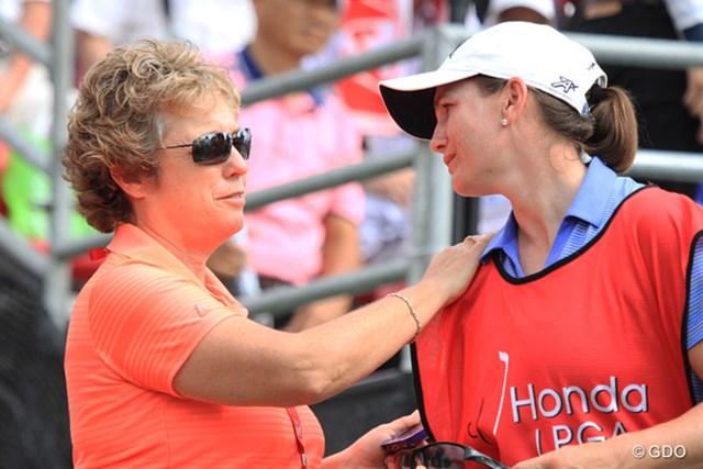 2015年 ホンダ LPGAタイランド スー・ウィッターズ LPGAでコースセッティングを担当するスー・ウィッターズ氏(左)