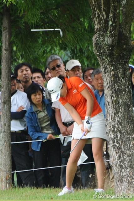 中京テレビ・ブリヂストンレディスオープン最終日 イム・ウナ 18番の2打目、クラブを折る気迫のスーパーショットでパーセーブ!