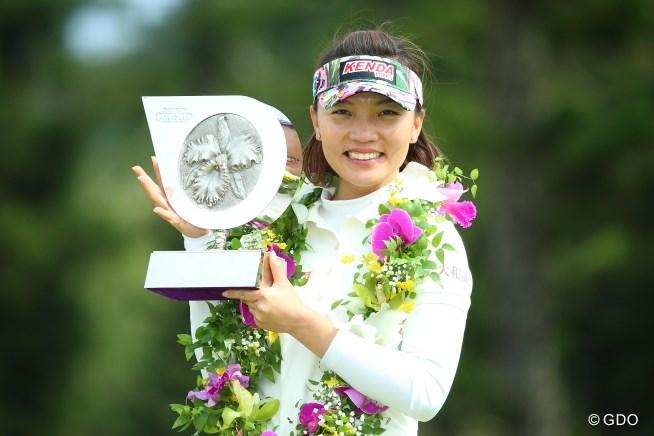 テレサ・ルーが2014→15年の2連勝! 穴井詩はまたも届かず