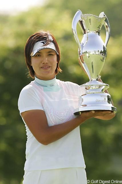 日本女子ツアー前人未到の3連勝を達成した全美貞
