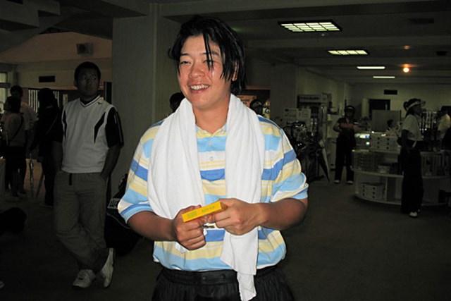 廣済堂レディスゴルフカップ1日目 阿蘇紀子 14ホールを消化して暫定首位の阿蘇紀子。全身すぶ濡れでクラブハウスに到着!