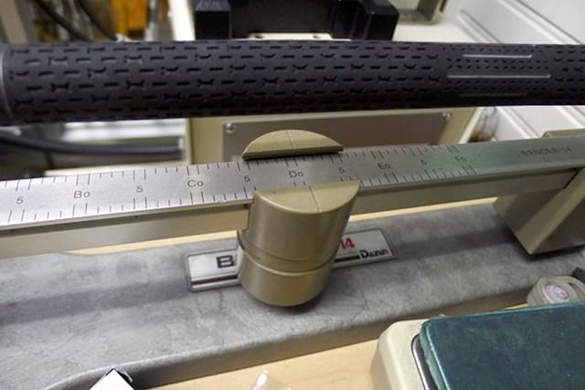 マーク試打 ピン G30 LS TECドライバー ヘッドが重く、長さも45.75インチと長めだが、バランスはD0.5。シャフトが手元重心のカウンターバランスになっているためだ