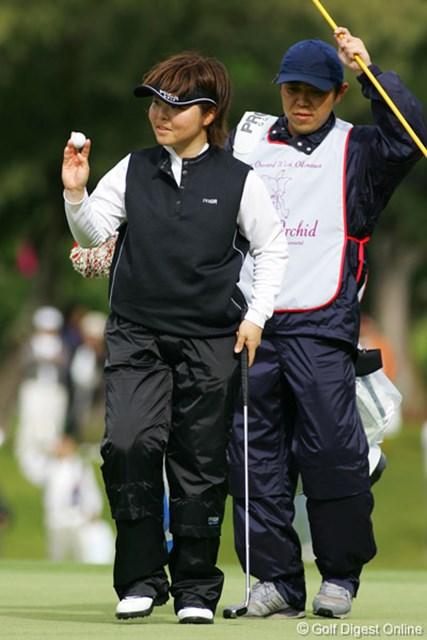 ダイキンオーキッドレディスゴルフトーナメント2日目 不動裕理 首位タイに躍り出た不動裕理