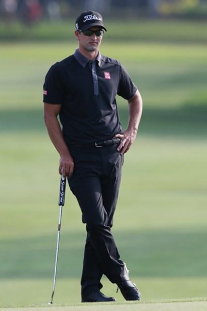 アダム・スコットは今年に入り3試合で通常のシャフト長のパターでプレーした(Sam Greenwood/Getty Images)