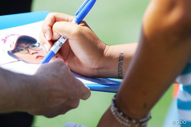 欧米ではタトゥーに漢字を用いるのがトレンド。でも漢字に多少なりとも馴染みのあるリディア・コーはローマン数字をチョイス