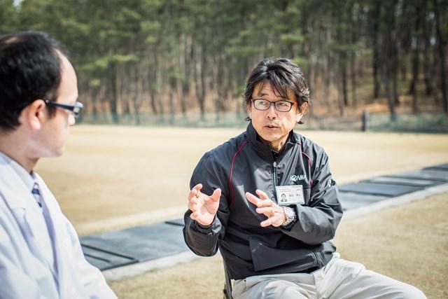 酒田工場の諏訪博士工場長。ゴルフクラブへの情熱と深い知識や経験で本間のクラブ作りをリードしている。