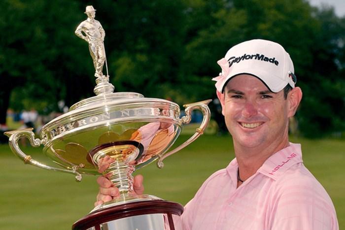 約2年ぶりとなる勝利を手にしたR.サバティーニ(Marc Feldman/Getty Images) 2009年 HPバイロンネルソン選手権 最終日 ロリー・サバティーニ