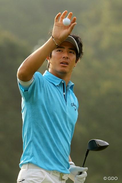 練習場で黙々とボールを打ち続ける石川遼。今週は松山英樹不在のトーナメントに出場する