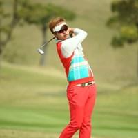 この方、韓国人の女性ゴルファーっぽい。 2015年 東建ホームメイトカップ 初日 朴一丸