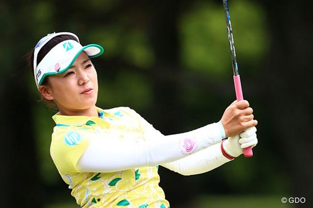 有村智恵は77位から30位に順位を上げ決勝ラウンドに進んだ