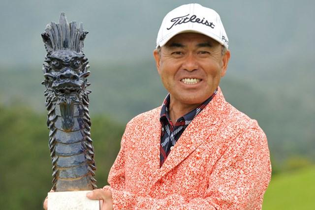 予選会トップ通過の久保勝美がツアー初優勝を飾った※画像提供:日本プロゴルフ協会