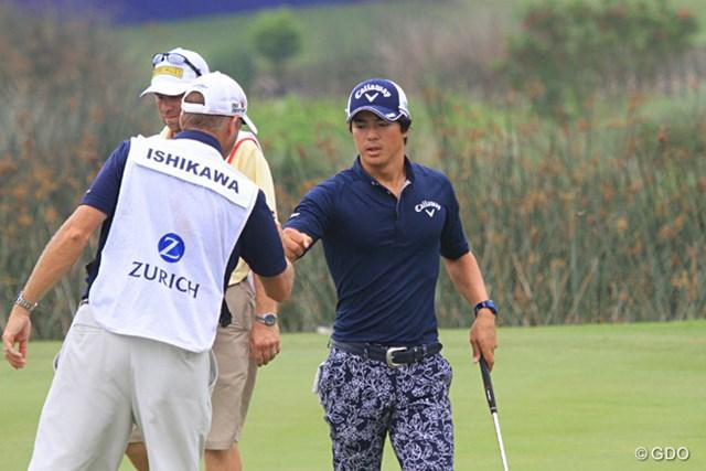 石川遼は早朝から第3ラウンドの残りをプレーした