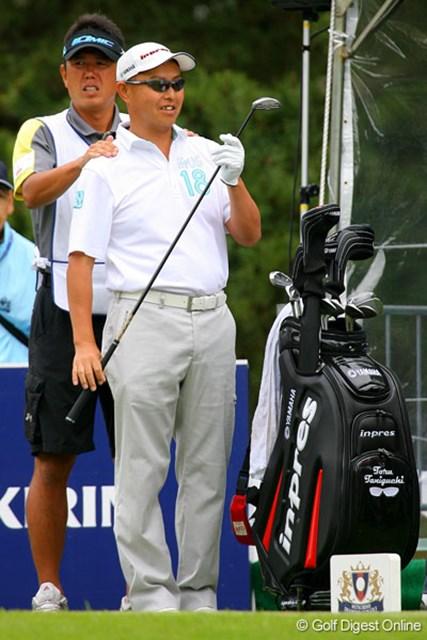 三菱ダイヤモンドカップゴルフ 2日目 谷口徹 肩もみしてもらって、亜脱臼も影響なし!? 9位タイに急浮上した谷口徹