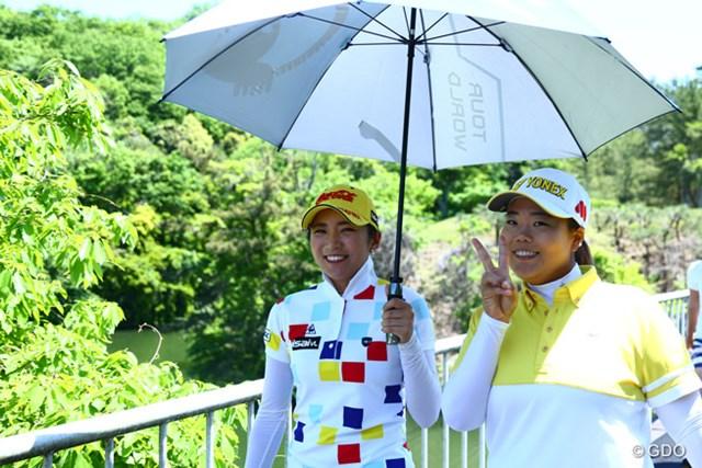2015年 サイバーエージェント レディス 2日目 アン・ソンジュ 二人は仲がいいね。一杯お話してた。この二人はもう日本のトーナメントの大切な選手だよ