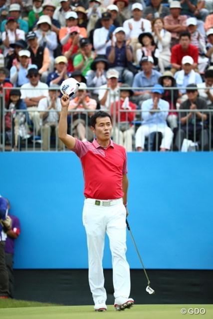最終18番でバーディフィニッシュ。日本を愛する韓国のI.J.ジャンが大会2勝目を飾った