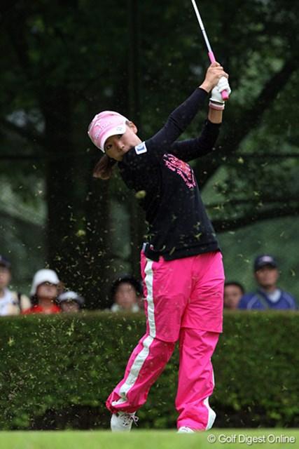 2009 廣済堂レディスゴルフカップ 2日目 有村智恵 2日間で1.5m程のショートパットを3回外し、「3打差はそのボギーの差」と有村智恵