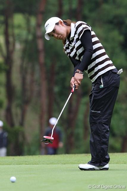 2009 廣済堂レディスゴルフカップ 2日目 若林舞衣子 先週は最終日最終組から失速。「自分のプレーに集中できなかった」という若林がリベンジを目指す