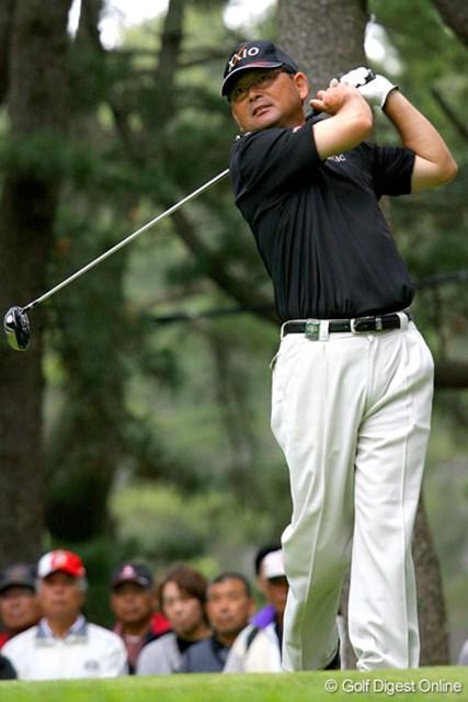 """三菱ダイヤモンドカップゴルフ 3日目 中嶋常幸 逆転優勝を遂げれば、""""中年の星""""の輝きは一層増すことになりそうだ"""