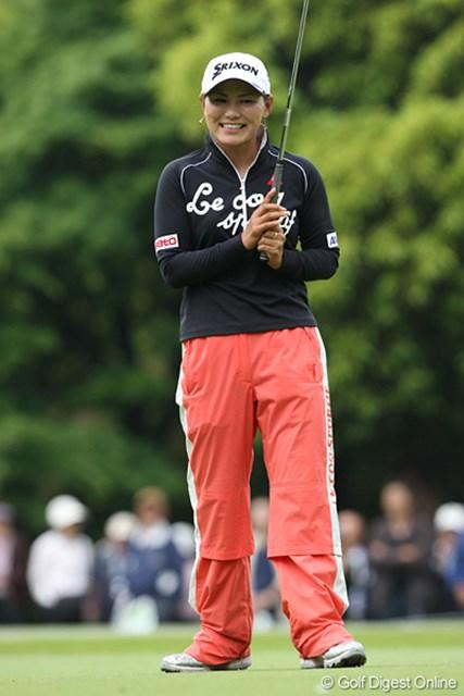 廣済堂レディスゴルフカップ2日目 横峯さくら 自己ベストタイをだし笑顔のさくらちゃん