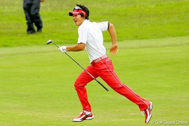 三菱ダイヤモンドカップゴルフ 最終日 石川遼 多少のトラブルも大丈夫! フェアウェイをかける姿も生き生き