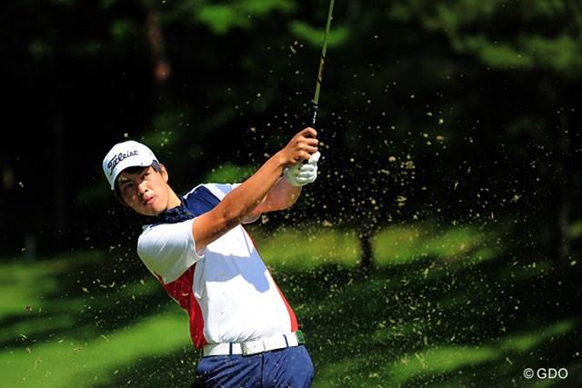 2015年 関西オープンゴルフ選手権競技 初日 山岡成稔 「やまおかなるとし」選手もまったくの初対面なんやなァ…。所属は「こばやしようき」やそうですが、これまた謎っぽいなァ。5位タイ