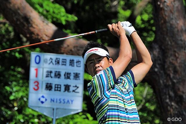 2015年 関西オープンゴルフ選手権競技 初日 藤田寛之 先週は予選落ちやったそうですが、今週はボードにあるように3アンダーで踏ん張ってます~!5位タイ