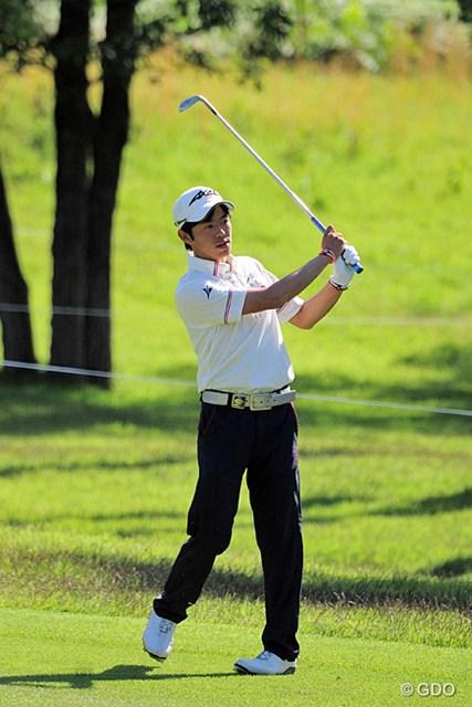 2015年 関西オープンゴルフ選手権競技 初日 大川詩穏 見ての通りの若手の選手で、まったくの初対面でした。おおかわしおん選手。5位タイ