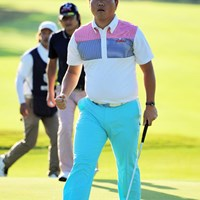 初見の韓流選手です。体幹の強そうなガッチリした体型はいかにも韓流パワーの塊のようで…。2位タイ 2015年 関西オープンゴルフ選手権競技 初日 李基相