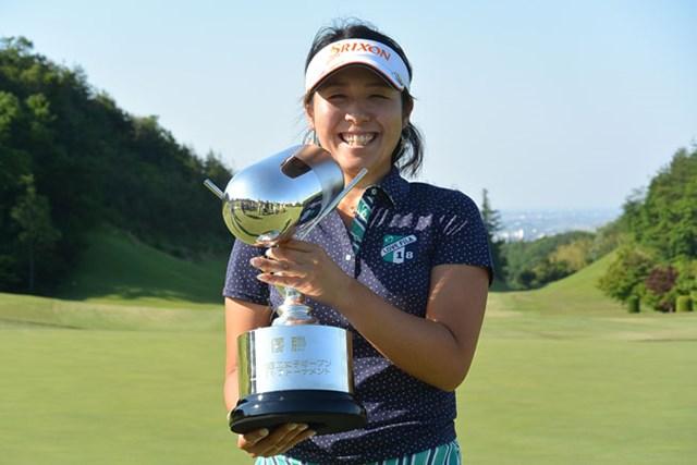 3位でスタートした小竹莉乃がこの日「70」をマークし、通算4アンダーでツアー初優勝を飾った※画像提供:日本女子プロゴルフ協会