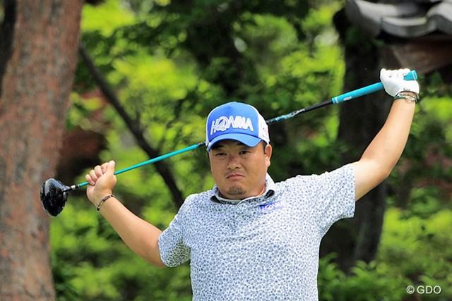 2015年 関西オープンゴルフ選手権競技 2日目 小田孔明 気合入れてますやん!なんか今シーズンは開幕戦からモヤモヤしたラウンドが続いてもんなァ。気合だ気合だ気合だ~~!