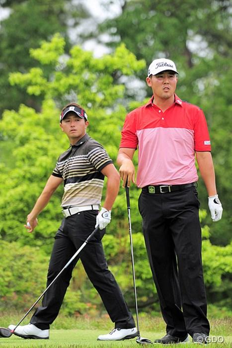 身長差30センチ、飛距離はドラとスプーンでタメ。でもスコアは片岡に軍配。 2015年 関西オープンゴルフ選手権競技 3日目 片岡大育 ウォンジョン・リー