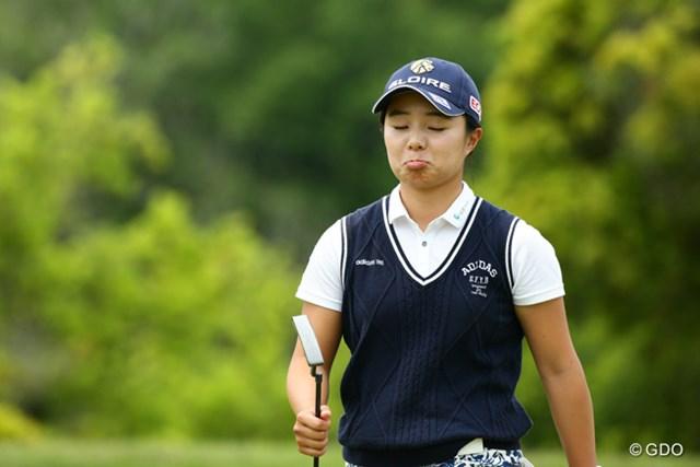 2015年 中京テレビ・ブリヂストンレディスオープン 2日目 永峰咲希 この子よくこんな顔するけど、それがかわいらしい
