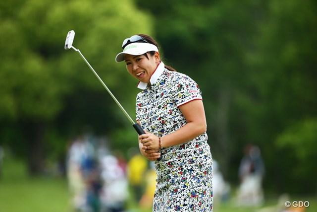2015年 中京テレビ・ブリヂストンレディスオープン 2日目 吉田弓美子 昨シーズンに比べ7キロ体重を絞り込んだという吉田弓美子