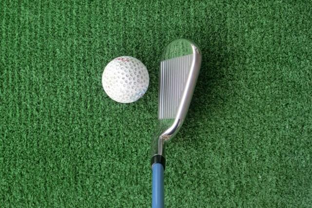 新製品レポート キャロウェイゴルフ XR アイアン レディス 小ぶりヘッドも、トップブレードが厚めの安心感