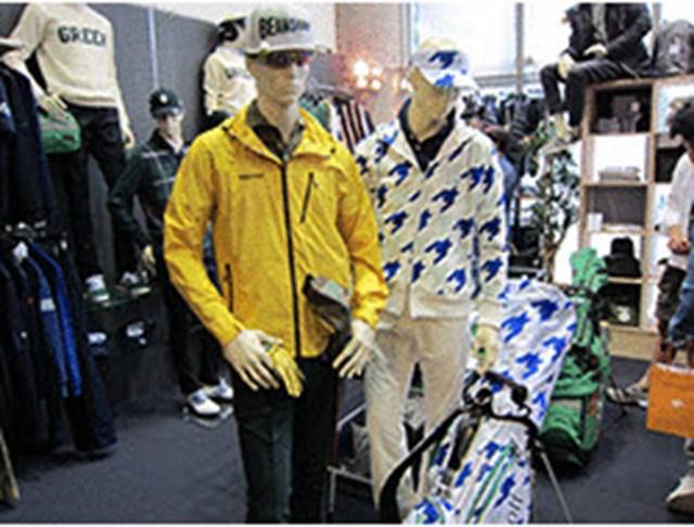『BEAMS GOLF』の2015AWコレクション。オレンジレーベル、パープルレーベルの2レーベルを軸に、海外有名ブランドとのコラボレーションアイテムも展開