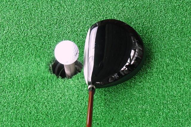 新製品レポート 本間ゴルフ TW727 460 ドライバー 本間ゴルフらしい精悍なシェイプ。特徴的なディープフェースが強い弾道を想起させる