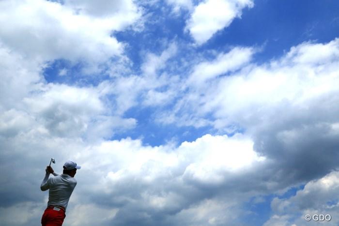 時折曇るが、基本は晴れていた一日 2015年 日本ゴルフツアー選手権 Shishido Hills 最終日  リャン・ウェンチョン