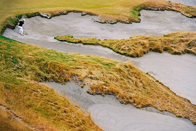2015年 全米オープン 事前 チェンバーズベイ チェンバーズベイで行われた2010年「全米アマチュア選手権」の決勝でピーター・ユーラインに敗れたデービッド・チャン(米GolfDigest誌)