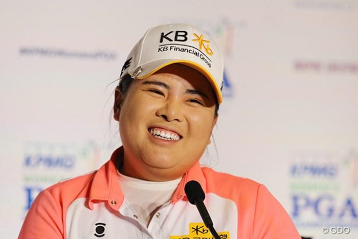 試合後の記者会見で笑顔をみせる朴仁妃 2015年 KPMG女子PGA選手権 3日目 朴仁妃