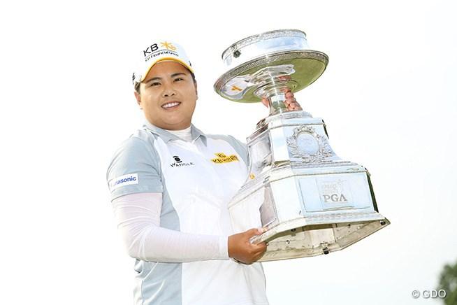 朴仁妃が史上2人目のメジャー大会3連覇 横峯は13位