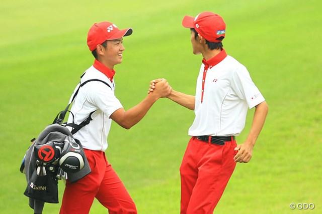 5年ぶりの大会制覇へ向け首位発進を決めた日本男子チーム