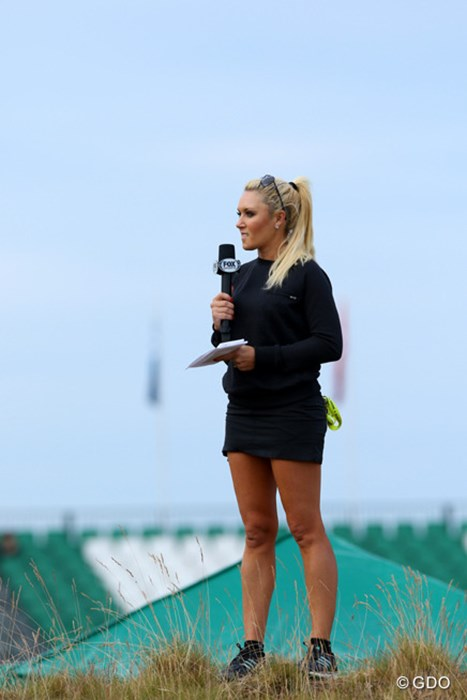 ラウンドレポーターにLPGA選手が多数起用された今大会。ほかにはモーガン・プレッセルやジュリー・インクスターもいた 2015年 全米オープン 初日 ナタリー・ガルビス