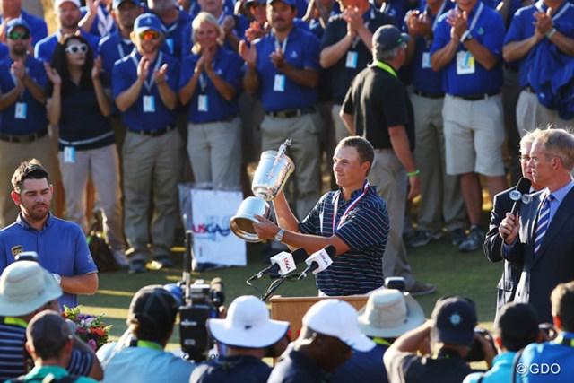 今シーズンのメジャー大会を2連勝。21歳の快挙はゴルフ史を掘り起こした