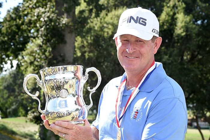 最終日に「65」で後続を突き放し、ジェフ・マガートがメジャー初制覇を果たした(Harry How/Getty Images) 2015年 全米シニアオープン選手権 最終日 ジェフ・マガート