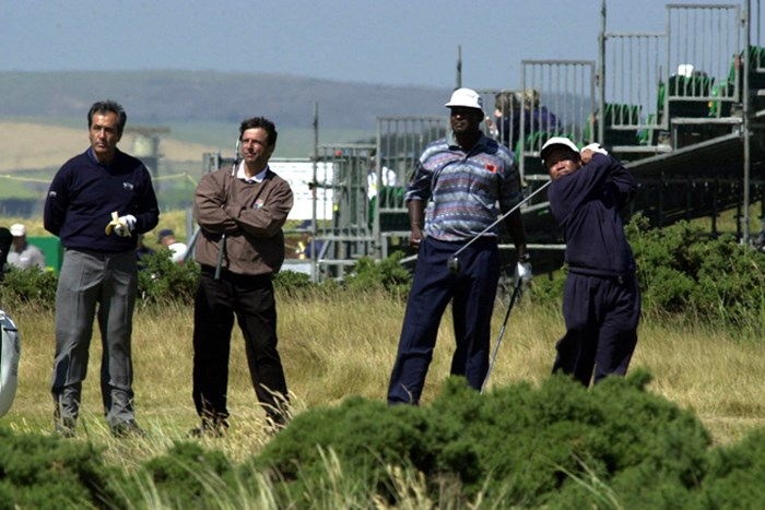 2000年の全英オープンで、セベ・バレステロス、ビジェイ・シンらとプレーをするチラハン(提供:アジアンツアー) 2000年 全英オープン チラハン