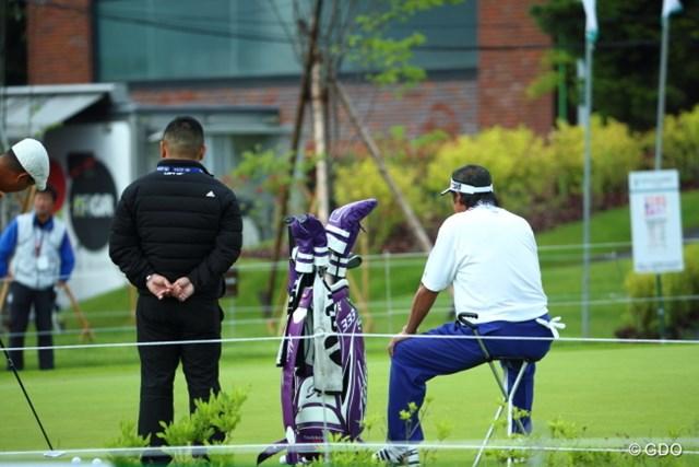 2015年 長嶋茂雄 INVITATIONAL セガサミーカップゴルフトーナメント 初日 尾崎将司 ジャンボさんクラスになると練習グリーンなんて見るだけでいいの。