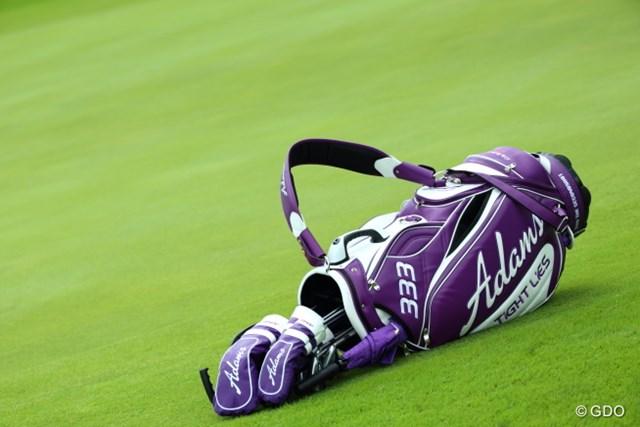 2015年 長嶋茂雄 INVITATIONAL セガサミーカップゴルフトーナメント 初日 尾崎将司 紫が似合うシニアってそうそういないよね。
